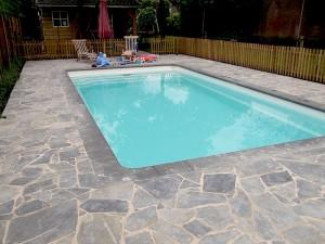 Zwembad-met-randsteen-terras