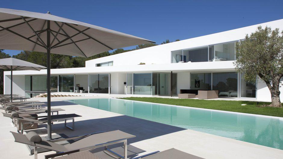 Een prachtige villa te koop in Ibiza